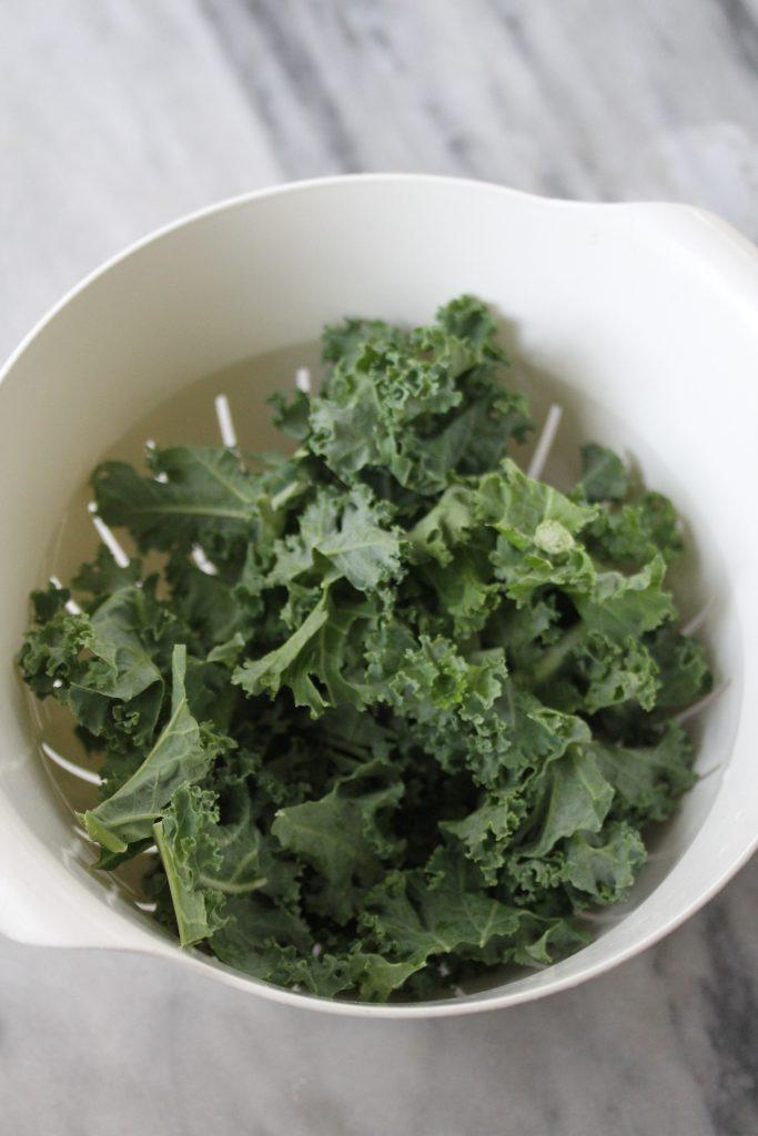 5 minute kale salad before massaging