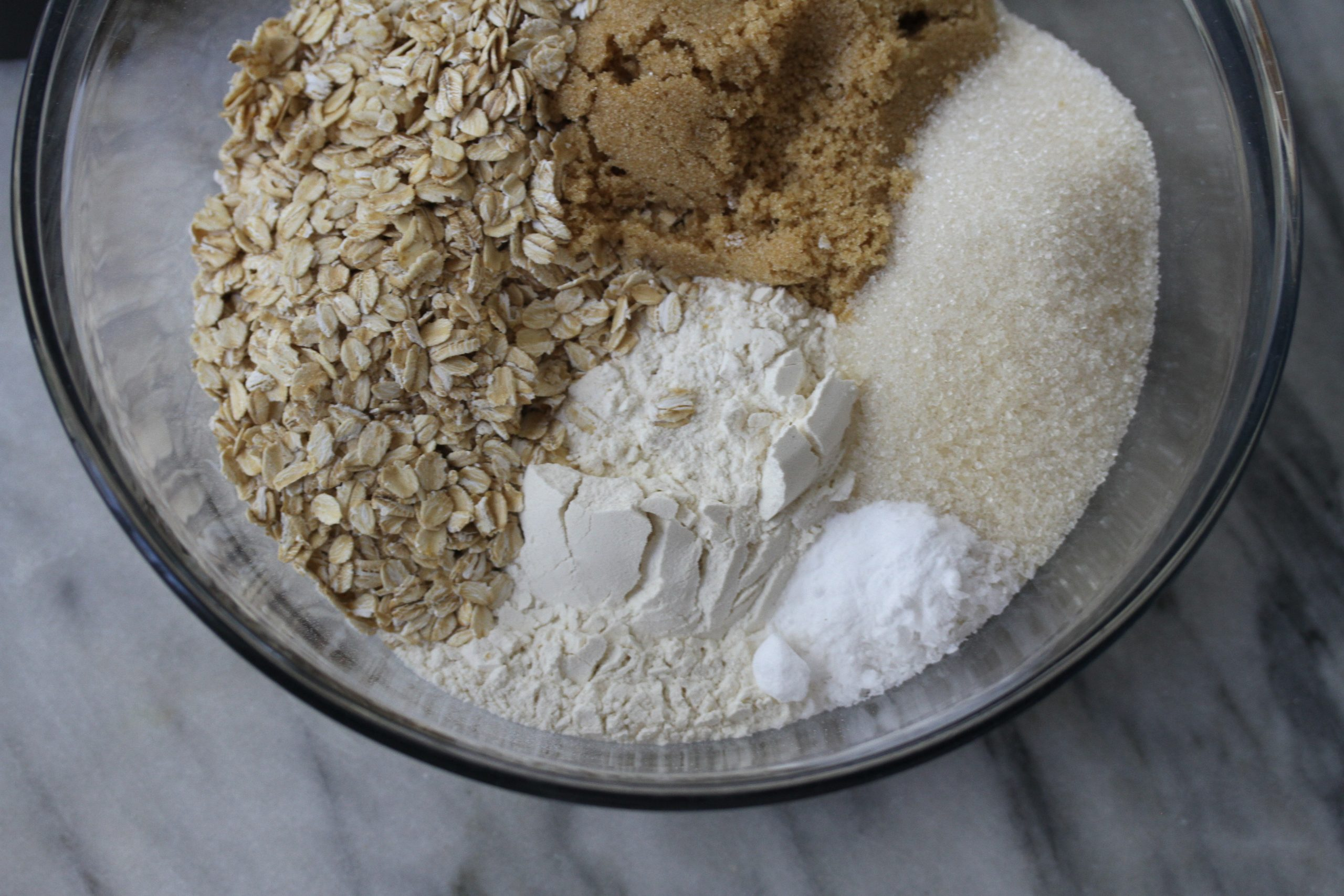 vegan oatmeal chocolate chip cookie ingredients