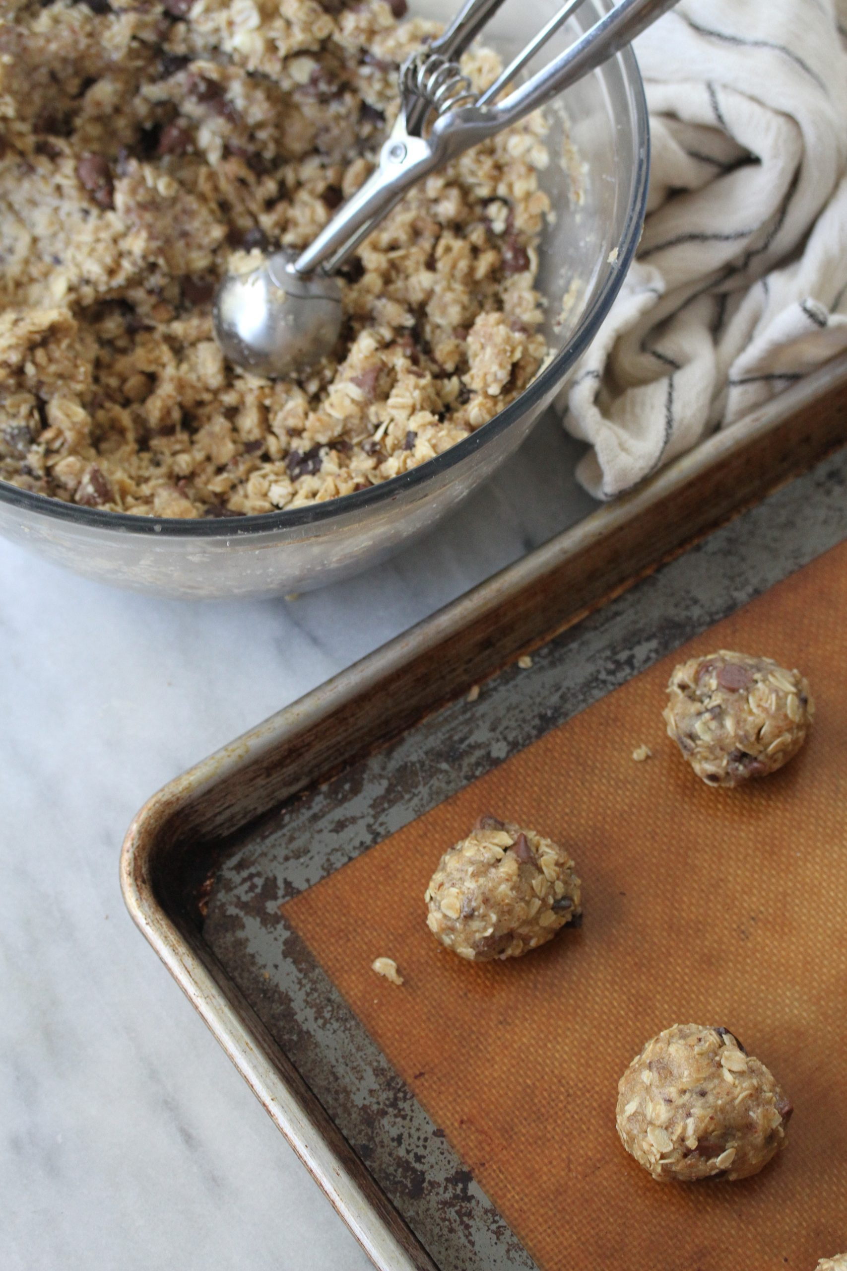 vegan oatmeal chocolate chip cookie dough